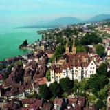 Horaires pour le train touristique de Neuchâtel (p. 143)